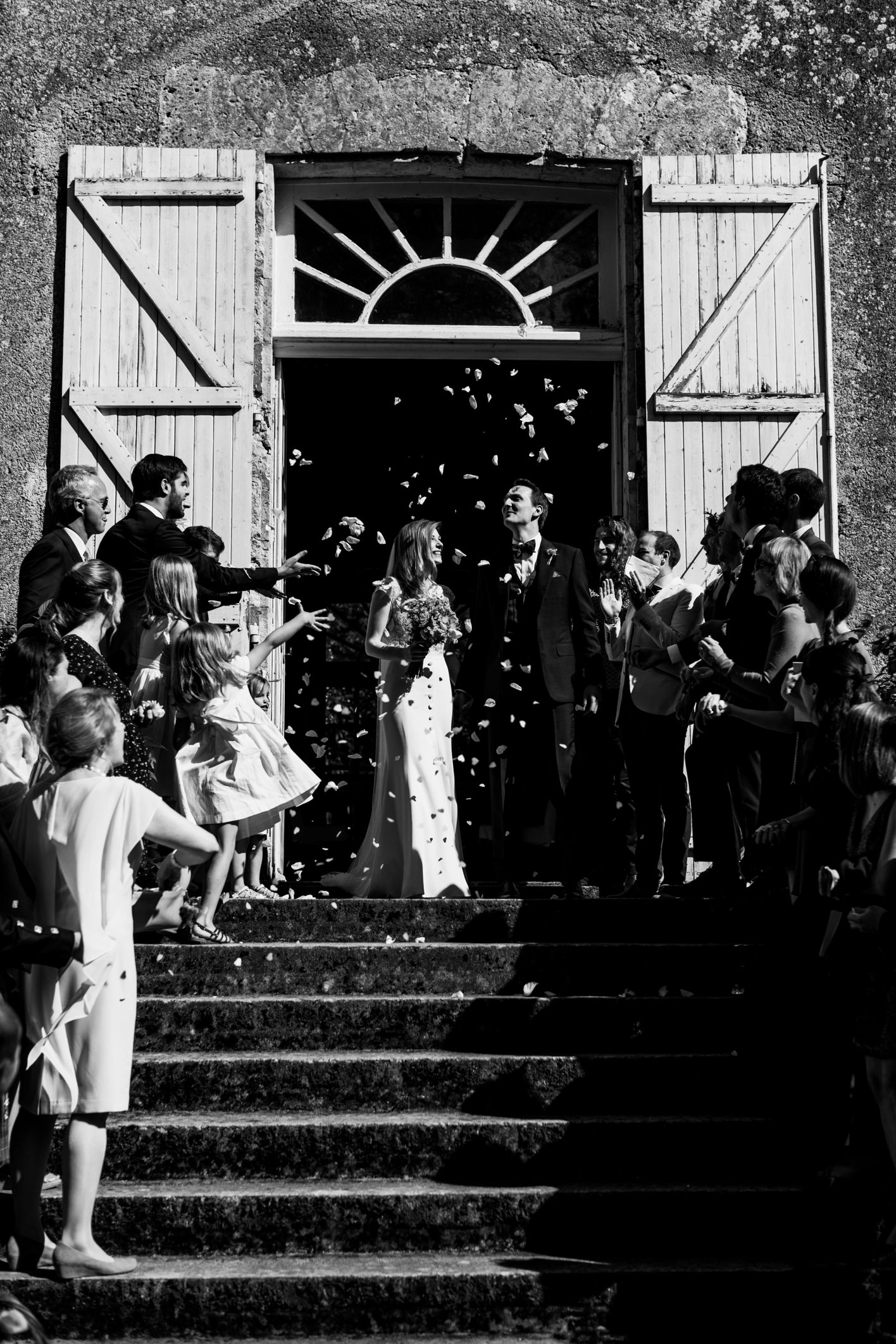confetti at chateau de lartigolle