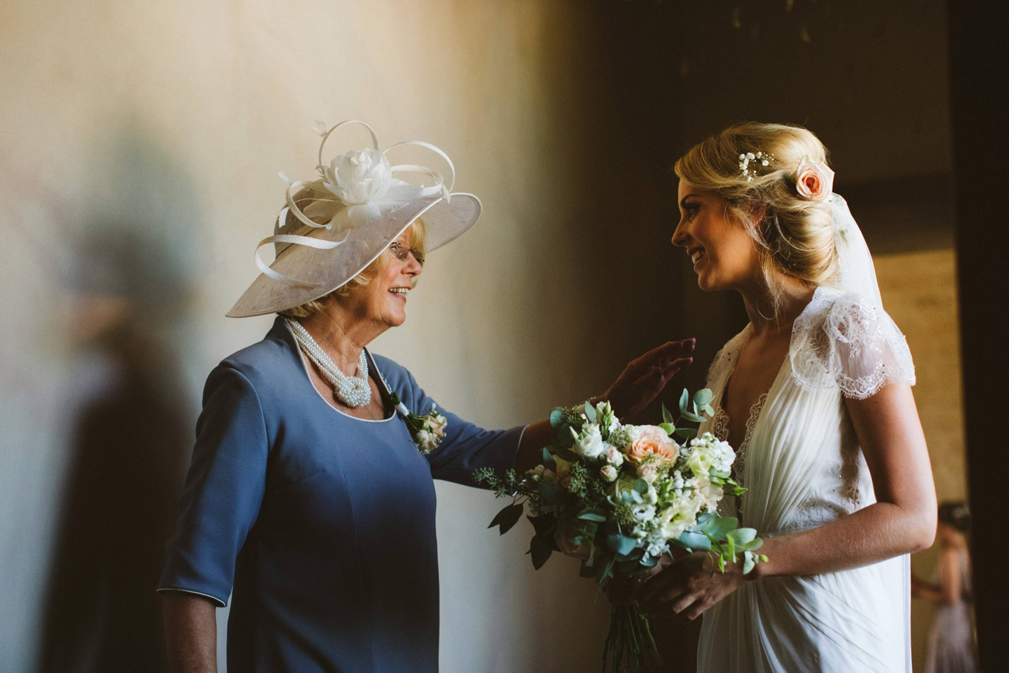 mother with her daughter on wedding day