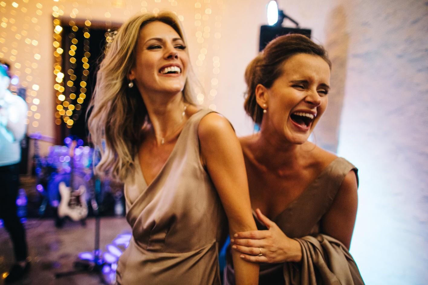 bridemaids dancing
