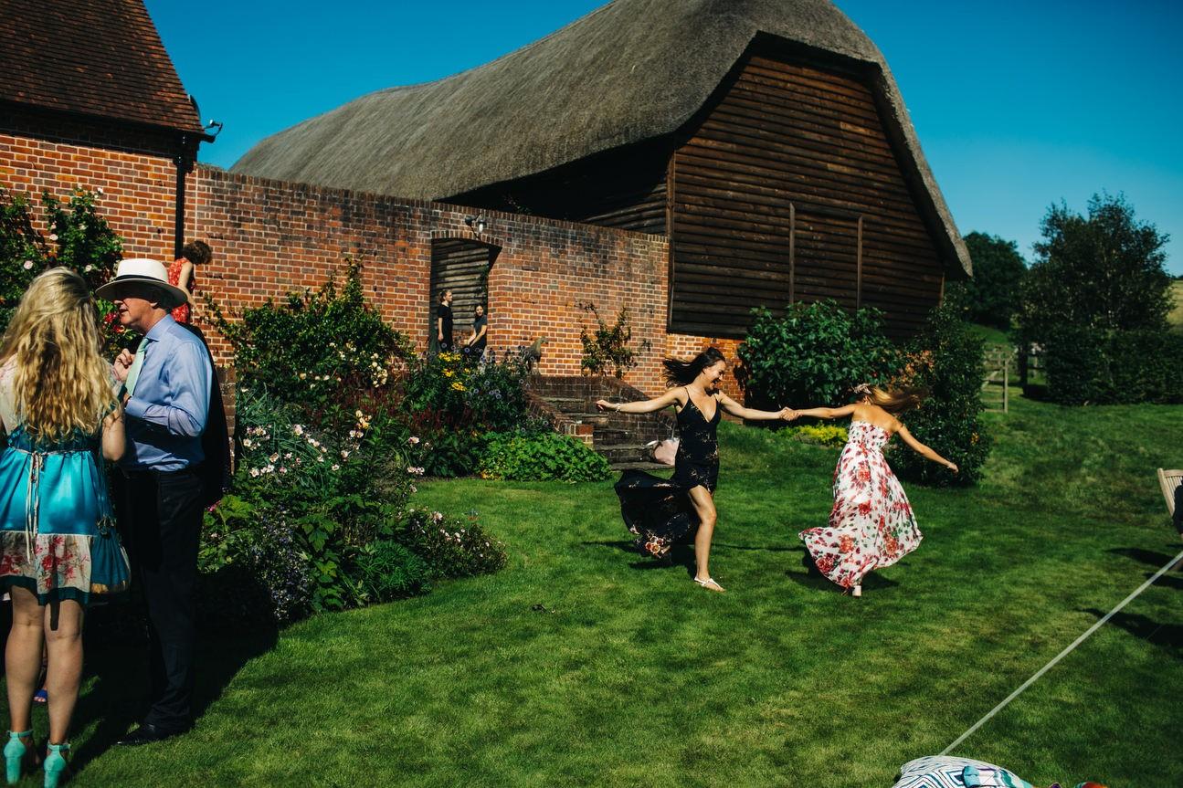 guests dancing in summer hampshire wedding