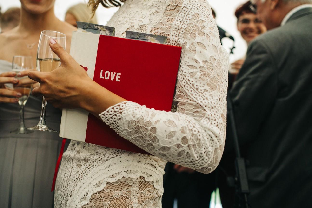 Hampshire Barn wedding in ibthorpe 098