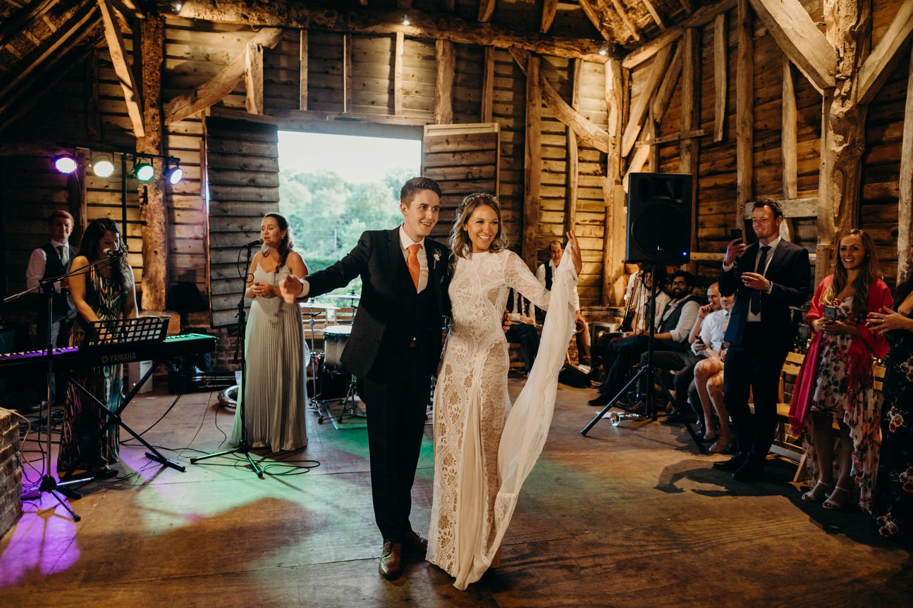 barn wedding in hampshire