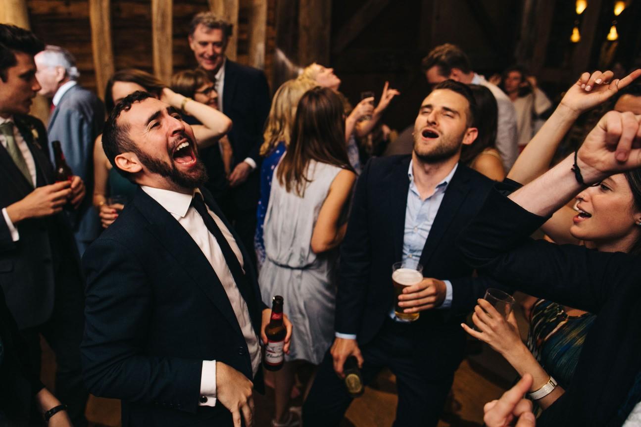 Hampshire Barn wedding in ibthorpe 109