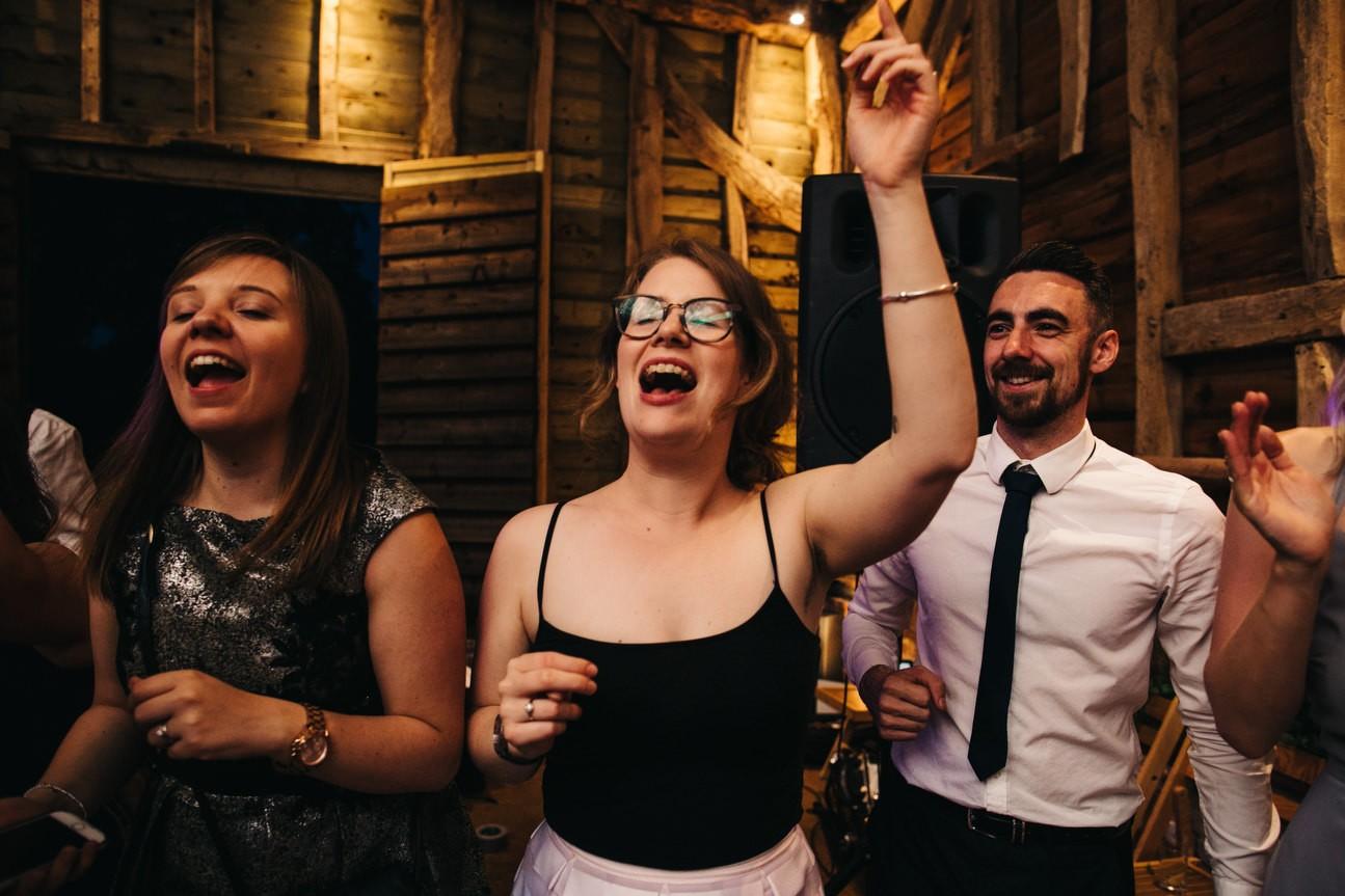 Hampshire Barn wedding in ibthorpe 123