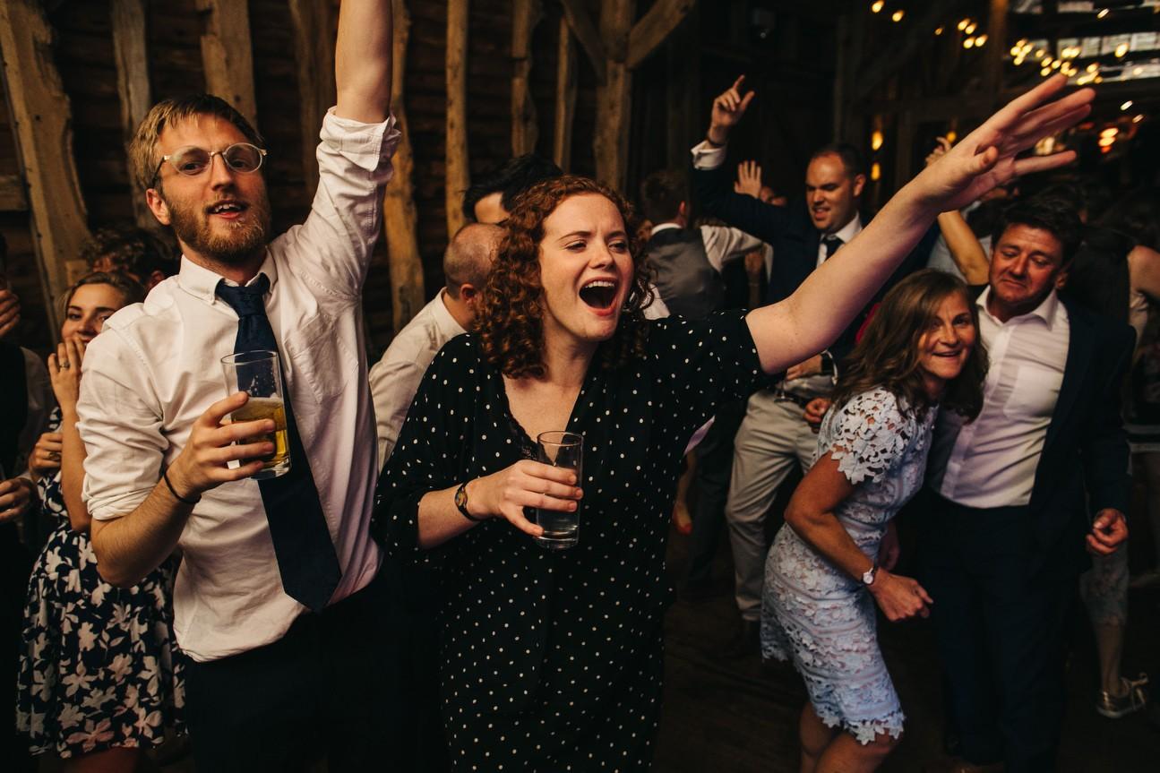 Hampshire Barn wedding in ibthorpe 131