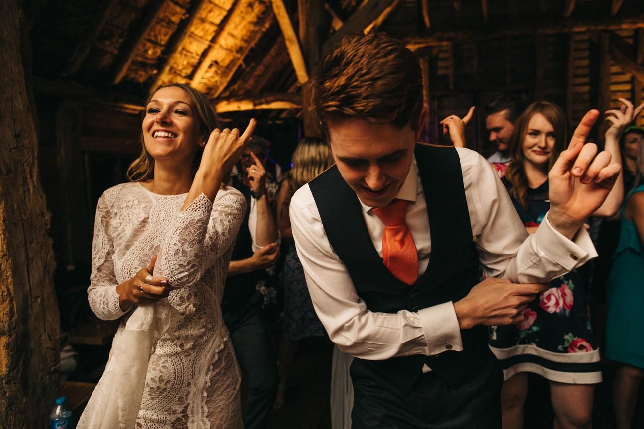 Hampshire Barn wedding in ibthorpe 132