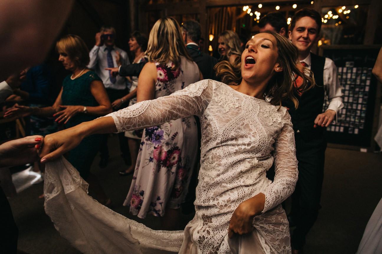Hampshire Barn wedding in ibthorpe 135