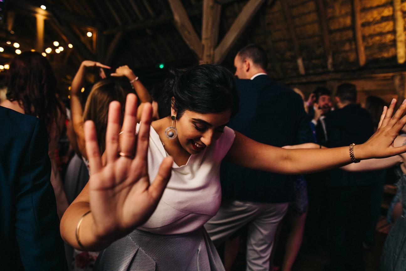 Hampshire Barn wedding in ibthorpe 137