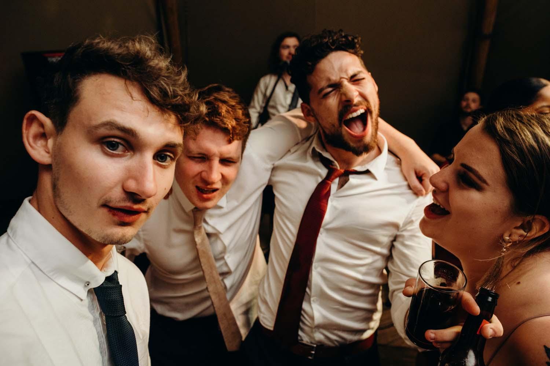 Singing on wedding dancefloor