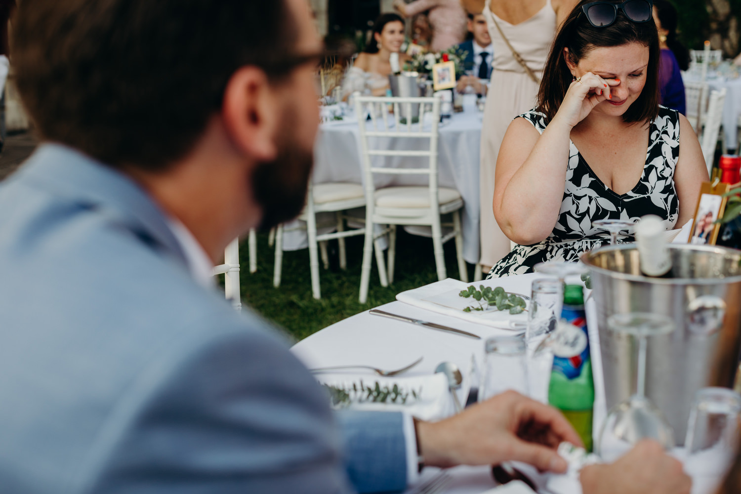 guests cries reading card from couple