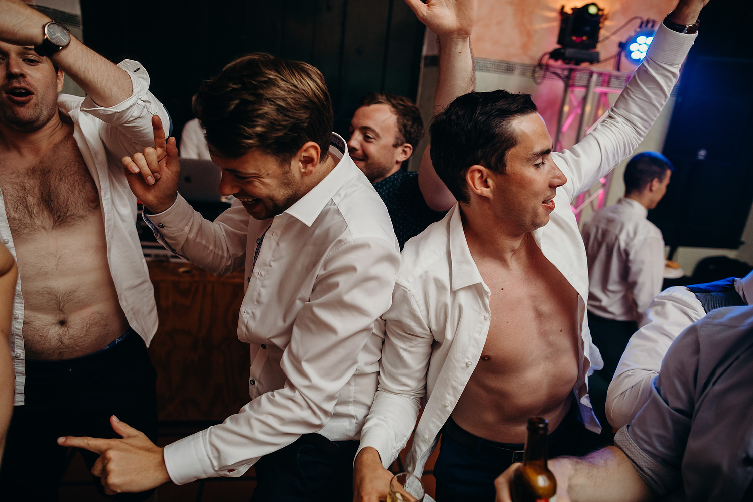 guests dance at Portugal wedding