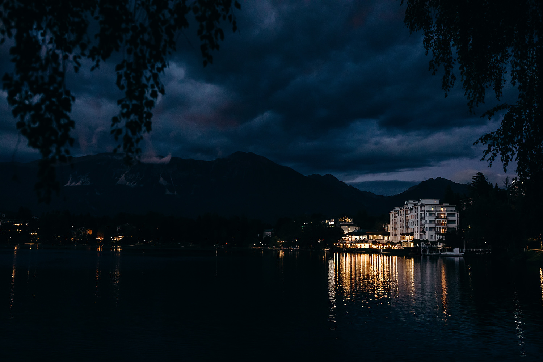 Grand Toplice Hotel at night